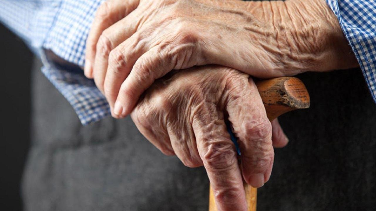 فواید عسل برای سالمندان