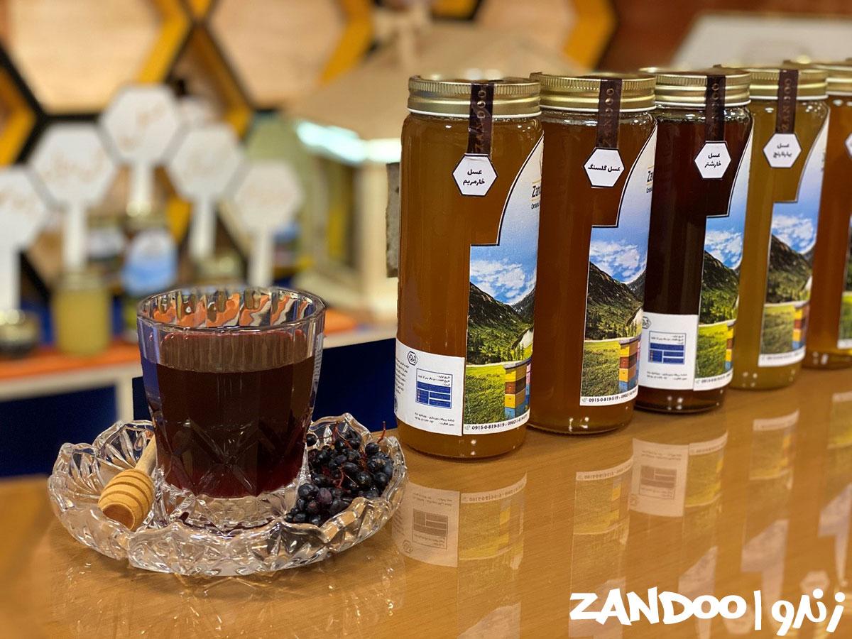 عسل خار مریم در کنار سایر عسل های زندو و آب زرشک طبیعی